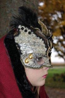 olivia-right-face-mask